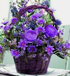 Beautiful Purple Flowers Bouquet For my special friends💜♥️🙋🏻 Beautiful Rose Flowers, Amazing Flowers, Silk Flowers, Purple Flowers, Beautiful Flowers, Basket Flower Arrangements, Beautiful Flower Arrangements, Flower Vases, Floral Arrangements