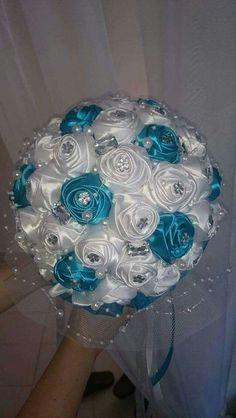 Beaded Bouquet, Crystal Bouquet, Wedding Brooch Bouquets, Lily Bouquet Wedding, Wedding Flower Guide, Wedding Flowers, Brooch Bouquet Tutorial, Broschen Bouquets, Wedding Doll