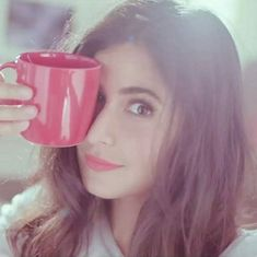 Now you are one of them to search girl dp Cute Girl Photo, Cool Girl, Western Girl Outfits, Katrina Kaif Wallpapers, Katrina Kaif Photo, Girls Cuts, Stylish Dpz, Stylish Girl Pic, Smart Girls