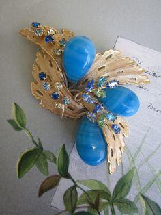 Vintage Signed HATTIE CARNEGIE Turquoise Blue Art Glass Brooch  http://www.etsy.com