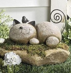 Resting Cat w/ Bird Yard Garden Decor Smiling Figurine Statue Patio Outdoor Art