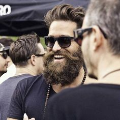 Men's Fashion tips. Dress with dapper and wear the proper attire with our men's style guide. Find male grooming advice, the best menswear and helpful tips. Badass Beard, Epic Beard, Hipster Beard, Hipster Man, Great Beards, Awesome Beards, Beard Styles For Men, Hair And Beard Styles, Mens Style Guide