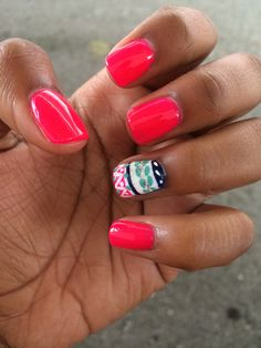 Pink and design nails love them