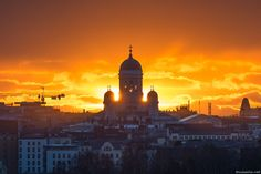 Photo: Niklas Sjöblom, March Sunset behind Helsinki Cathedral seen from atop Kruunuvuori hill, located on the western shore of Laajasalo district. Visit Helsinki, Interesting History, Beautiful Buildings, Capital City, Empire State Building, Finland, Westerns, Taj Mahal, Cathedral