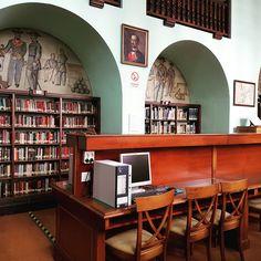 Biblioteca Central de Marina. Tesoro de contenido, continente y personal #Díadelasbibliotecas