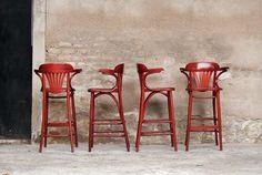4 TABOURETS DE BAR EN ACAJOU, AVEC ACCOUDOIR, TRÈS CONFORTABLE http://www.gentlemen-designers.fr/