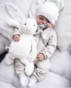 15 Genius baby products without which you can not live - Baby outfits - Baby Clothes So Cute Baby, Baby Love, Cute Kids, Adorable Babies, Funny Babies, Baby Outfits, Newborn Outfits, Genius Baby Products, New Baby Products