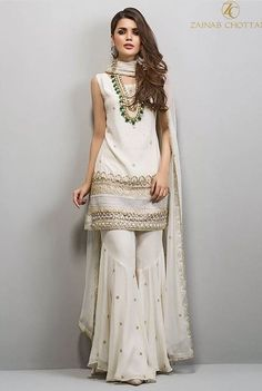 New ideas for vintage wedding dress patterns classy Pakistani Wedding Outfits, Pakistani Dresses, Indian Dresses, Indian Outfits, Sharara Designs, Wedding Dress Patterns, Dress Wedding, Look Short, Designer Bridal Lehenga