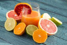 Como Eliminar Toxinas Con Las Frutas.  Las frutas son alimentos naturales que cuentan con importantes propiedades para eliminar las toxinas del cuerpo, pero para que puedas conseguir mejores efectos de las propiedades de las frutas tienes que descubrir cuáles son los consejos para que sepas ... Ver más aquí: https://dietasanaparaadelgazar.com/como-eliminar-toxinas-con-las-frutas/