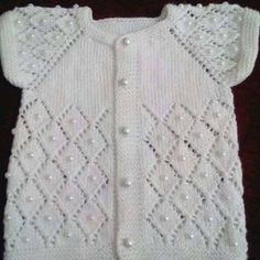 Modern Baby Vest Models – Knitting And We Baby Knitting Patterns, Knitting For Kids, Crochet For Kids, Knitting Designs, Knitting Stitches, Single Crochet Stitch, Baby Cardigan, Knit Vest, Baby Sweaters