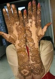 Browse the latest Mehndi Designs Ideas and images for brides online on HappyShappy! We have huge collection of Mehandi Designs for hands and legs, find and save your favorite Mehendi Design images. Latest Arabic Mehndi Designs, Back Hand Mehndi Designs, Latest Bridal Mehndi Designs, Stylish Mehndi Designs, Mehndi Designs 2018, Mehndi Designs For Beginners, Engagement Mehndi Designs, Mehndi Designs For Girls, Mehndi Design Photos