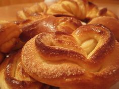Quick perfect dough for any baking! Ingredients: 1 Cup - yogurt, cups of… Baking Recipes, Snack Recipes, Dessert Recipes, Snacks, European Dishes, Yogurt Cups, Sweet Pastries, Russian Recipes, Pastry Cake