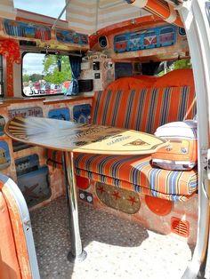 80 Travel Trailers Camper Interior Ideas for Full Time RV Living - ArchiteSpace Bus Interior, Campervan Interior, Interior Design, Interior Ideas, Vw T3 Westfalia, Kombi Motorhome, Combi Vw T2, Hippie Camper, Kombi Home