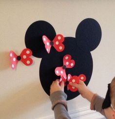 Mickey and Minnie activities! Pin the bow on Minnie! Mickey Party, Birthday Party Games, Mickey Mouse Birthday, 2nd Birthday, Birthday Ideas, Party Party, Disney Party Games, Game Party, Game 1
