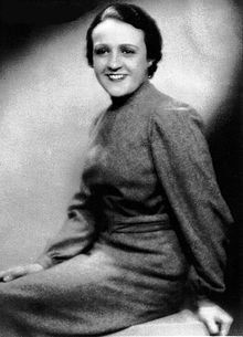 Juana Capdevielle muller culta e progresista. Foi asasinada no levantamento militar de San Martin, Literature, Religion, Politics, Science, Culture, Greek, Music, Women