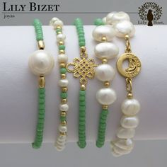Every shoe-lover should possess this bracelet. The bracelet has to do with seven inches in length and five shoe appeals hang from the oval links of bracelet. Bead Jewellery, Pearl Jewelry, Beaded Jewelry, Jewelery, Ankle Bracelets, Jewelry Bracelets, Pearl Bracelets, Handmade Bracelets, Handmade Jewelry