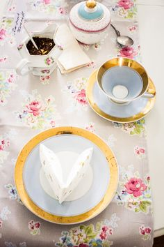 Tea Party Vintage Cup Dishes