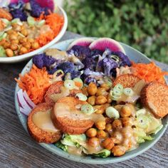 What kind of lunch are we having today? #Vegan lunch!  Heavenly #rainbowls by @veganwithlove made with Ginger-tahini glaze over a bed of quinoa and baked veggies, fresh carrot, lettuce, and onion!  .  #wholefoods #kaleyeah #foods4thought #beautifulcuisines #onthetable #heresmyfood #smoothie #bbgcommunity #vegan #whatveganseat #feedfeed #nourish #bbggirls #foodie #foodphotographer #healthy #cleaneating #bbg #thekaylamovement #eeeeeats #feedfeed #foodforthought #glutenfree #hclf #fruit…