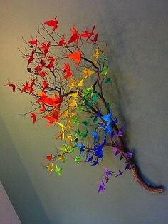 Origami crane rainbow decor: something for Matthew to make M for Christmas?Origami cranes on a branch.A touch of colour.Origami cranes on a branch. -would love to do it but do i have the patience?Do with butterflies. Cranes are so easy to make, but w Diy And Crafts, Arts And Crafts, Paper Crafts, Origami Paper, Origami Cranes, Diy Origami, Origami Birds, Origami Swan, Butterfly Art
