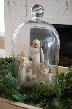 I love this Nativity idea~ what a great way to showcase it!