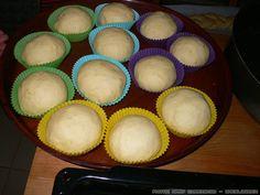 tsourekia-9 Bread Making, How To Make Bread, Muffin, Breakfast, Food, Breakfast Cafe, Muffins, Essen, Yemek