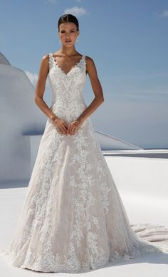 Wedding Dress out of Justin Alexander – 88009 Wedding Dress 88009 by Justin Alexander – Search our photo gallery for pictures of wedding dresses by Justin Alexander. Find the perfect dress with recent Justin Alexander photos. Perfect Wedding Dress, Best Wedding Dresses, Bridal Dresses, Wedding Gowns, Bridesmaid Dresses, Wedding Ceremony, Wedding Dress Big Bust, Lace Wedding, Beautiful Wedding Dress