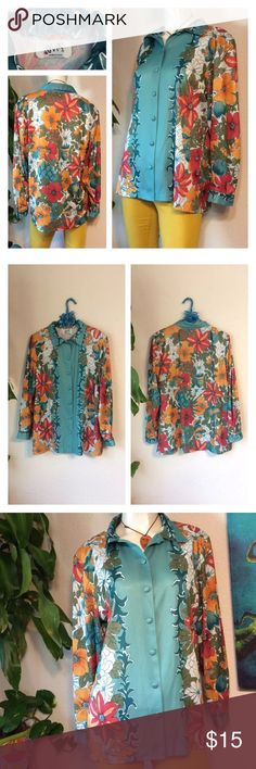 """VERA Neumann Floral blouse 70's Brady Bunch Retro 🌻Fantastic print!  Button down front-  🌻Excellent condition- flawless!  🌻Size tag missing but appears to be M/L 🌻How Do I Know This Will Fit Me? Take a Similar item you already own that fits you great...  Use the Measurements below & Compare them to that item (instead of to your body measurements)* 🌻Approx measurements laid flat-(double where necessary) Shoulder to shoulder: 17.5"""" Underarm to underarm: 23"""" Waist: 22.5"""" Hips: 22.5""""…"""