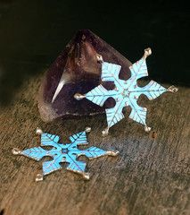 Cindy Cantelon uses UVPoxy to create a glow in the dark finish on her beautiful metal sculptures. She prefers EcoPoxy products for their ease of use and low toxicity. Snowflake Ornaments, Christmas Tree Ornaments, Snowflakes, The Light Is Coming, Snowflake Designs, Creature Design, Glow, Holiday Decor, Creative