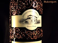 Sticla acoperita  in cupru: Sticla cu vin Feteasca Neagra acoperita in cupru Copper Art, Whiskey Bottle, Handmade, Artist, Blog, Hand Made, Craft, Handarbeit, Artists