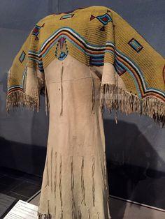 Lakota woman's dress (Teton Sioux), Leather, tiny Venetian glass seed… Native American Models, Native American Clothing, Native American Artifacts, Native American Beadwork, Native American Fashion, American Indians, American Jewelry, Plains Indians, Indian Outfits
