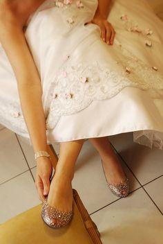bride Perla Nicacio de Almeida and her Melissa Ultragirl + J. Maskrey. #MelissaBrides