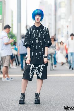 """tokyo-fashion: Kanna on the street in Harajuku wearing a monochrome look with top and shorts by Far Star, Yosuke USA boots, a Killstar backpack, and Killstar accessories. Full Look """" Japanese Street Fashion, Tokyo Fashion, Harajuku Fashion, Fashion 2020, Star Fashion, Runway Fashion, Fashion Outfits, Fashion Black, Fashion Tips"""
