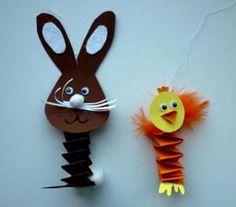 Bastelideen/Basteln-Hase-Kueken-Hexentreppen Easter Crafts, Crafts For Kids, Arts And Crafts, Origami, Diy Ostern, Spring Projects, Paper Strips, Techno, Kindergarten