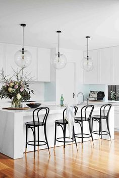 Consider Installing Kitchen Islands To Go With Your Unique Kitchen Design – Home Dcorz Curved Kitchen Island, Kitchen Island Bench, Kitchen Benches, Kitchen Island Lighting, Kitchen Stools, New Kitchen, Kitchen Islands, Kitchen Ideas, Kitchen Reno