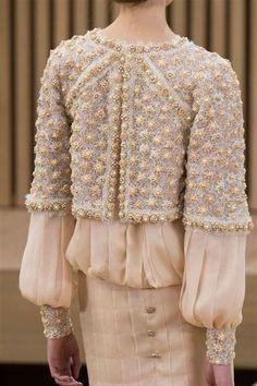 Photos des détails du défilé Chanel Haute Couture printemps-été 2016 - L'Express Styles