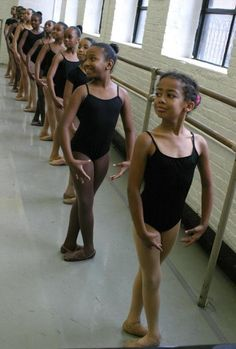 This is beautiful. You rarely see African-American ballerinas.