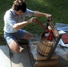 Cider_press crushing the apples to make the famous Apple_Cider_vinegar full of #natural_health properties