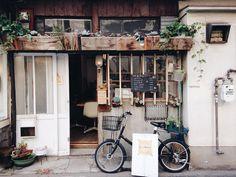 . 原本很無助的進了這家店,卻意外的得到很大的幫助,親切如妳,感謝所有。 #白日夢 #白昼夢 #独り旅 #igdaily #Taiwan #love #no1482 #trip #place #日記 #日常 #菇の日記 #平行時空 #昨日的事 #kinokolife #kinokodaily #我的秋天 #ドキドキ #遠方菇島出走計劃