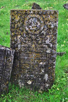 Three Hares on a tomb in the Jewish Cemetery of Sataniv, Ukraine (photo by Mykola Swarnyk/Wikimedia) Jewish Art, Religious Art, Ancient Symbols, Ancient Art, Hare's Ear, Rabbit Art, Jack Rabbit, Rabbit Tattoos, Book Of Kells