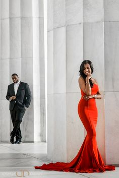 Amazing Lincoln Memorial Engagement Photos in Washington DC Couple Photoshoot Poses, Couple Photography Poses, Pre Wedding Photoshoot, Wedding Poses, Engagement Photography, Wedding Photography, Formal Engagement Photos, Engagement Photo Outfits, Engagement Couple