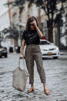 Leopard obsessed - Flaunt and Center Style Casual, Casual Fall Outfits, Trendy Outfits, Summer Outfits, Leopard Pants Outfit, Leopard Dress, Leopard Outfits, Animal Print Pants, Leopard Print Pants