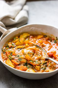 4 Points About Vintage And Standard Elizabethan Cooking Recipes! Hearty Chicken Stew With Butternut Squash. It's The Perfect Fall Meal Comes Together In One Pot. This Squash And Chicken Stew Is A Family Favorite Pumpkin Stew, Chicken Pumpkin, Soup Recipes, Cooking Recipes, Healthy Recipes, What's Cooking, Lunch Recipes, Fall Recipes, Chicken
