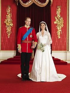 HRH Prince William and Ms Catherine Middleton - the Duke and Duchess of Cambridge. Royal wedding 2011 official portraits by Hugo Burnand -- Kate Middleton's Wedding Dress designed by Sarah Burton (Alexander McQueen) William Kate, Prince William And Catherine, William Arthur, Duke William, William Windsor, Prins William, Prince Philip, Princesa Kate Middleton, Kate Middleton Prince William