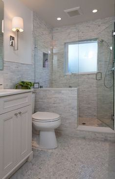 40+ Amazing Small Bathroom Tub Shower Remodeling Ideas #smallbathroom #showerremodel #bathroomremodel