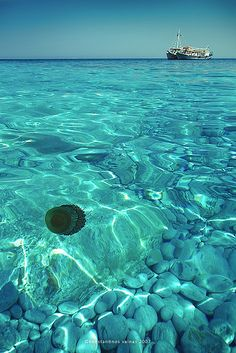 Lalaria beach, Skiathos (photo by Konstantinos Vainas)