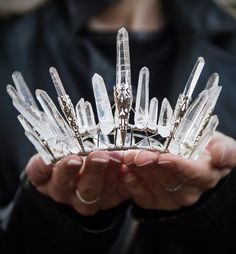 crown - are tiara girls (LOL)! Crystal Crown, Tiaras And Crowns, Headdress, Jewelry Accessories, Party Accessories, Diy Jewelry, Girly, Bling, Gemstones