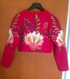 Shagun Blouse Designs, Saree Blouse Neck Designs, Fancy Blouse Designs, Bridal Blouse Designs, Kurta Designs, Diy Clothes Tops, Stylish Blouse Design, Blouse Models, Couture