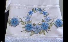 Bordado flores sianinha fita Bordado Flor Azul de Sianinha e Fitas – Vídeo do Passo a Passo
