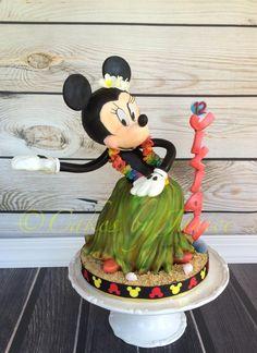 Minnie mouse hula dancing cake