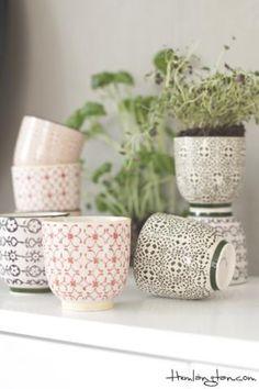 Porslinsmugg med mönster